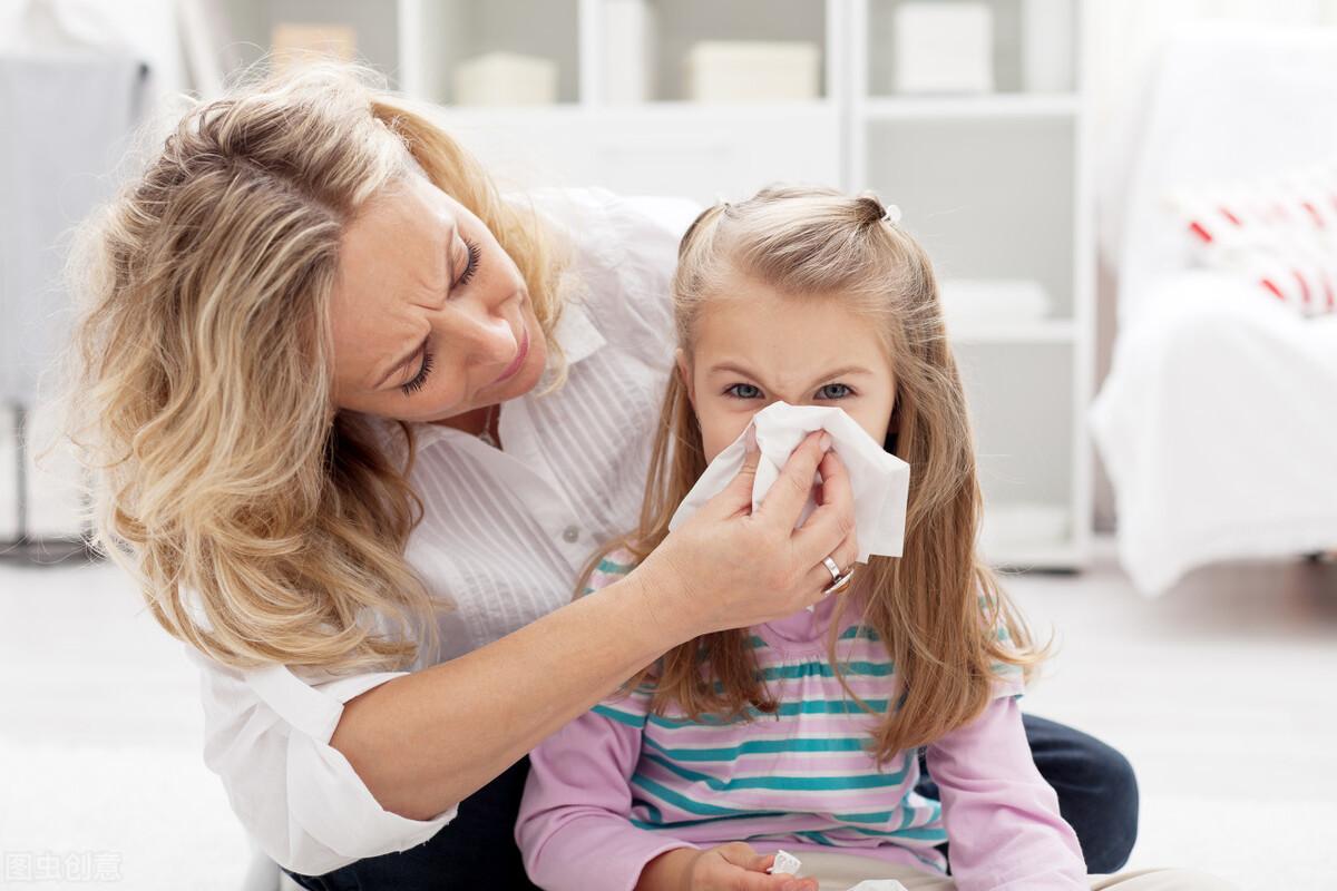 孩子感冒初期,儿科医生教你4个手法加1杯茶,感冒好了,少吃药