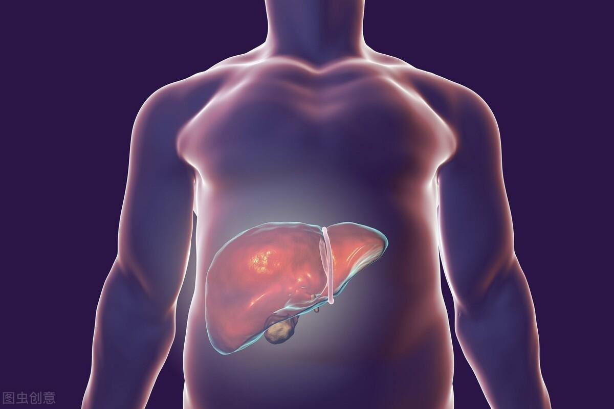 """肝病多是""""拖""""出来的,身体有这些表现,肝或已开始病变,早检查"""