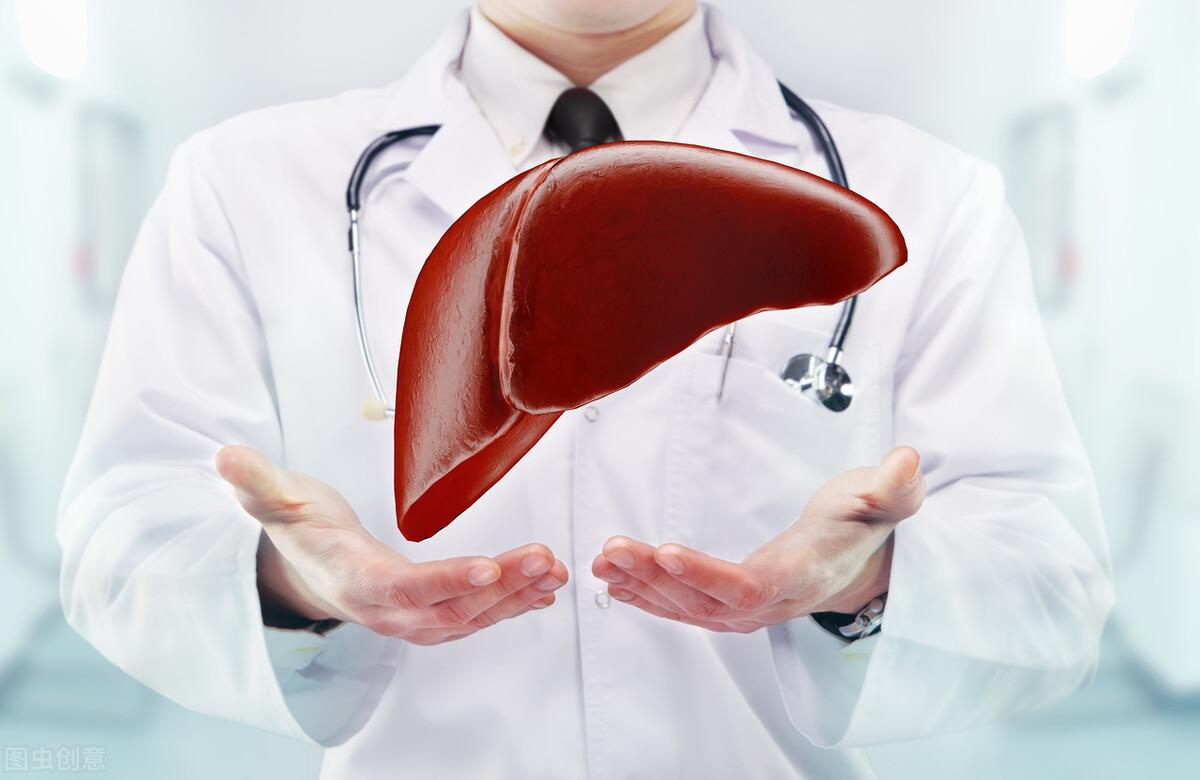"""肝病查出来,往往已经是晚期?或许身体早给出""""暗示"""",你没发现"""