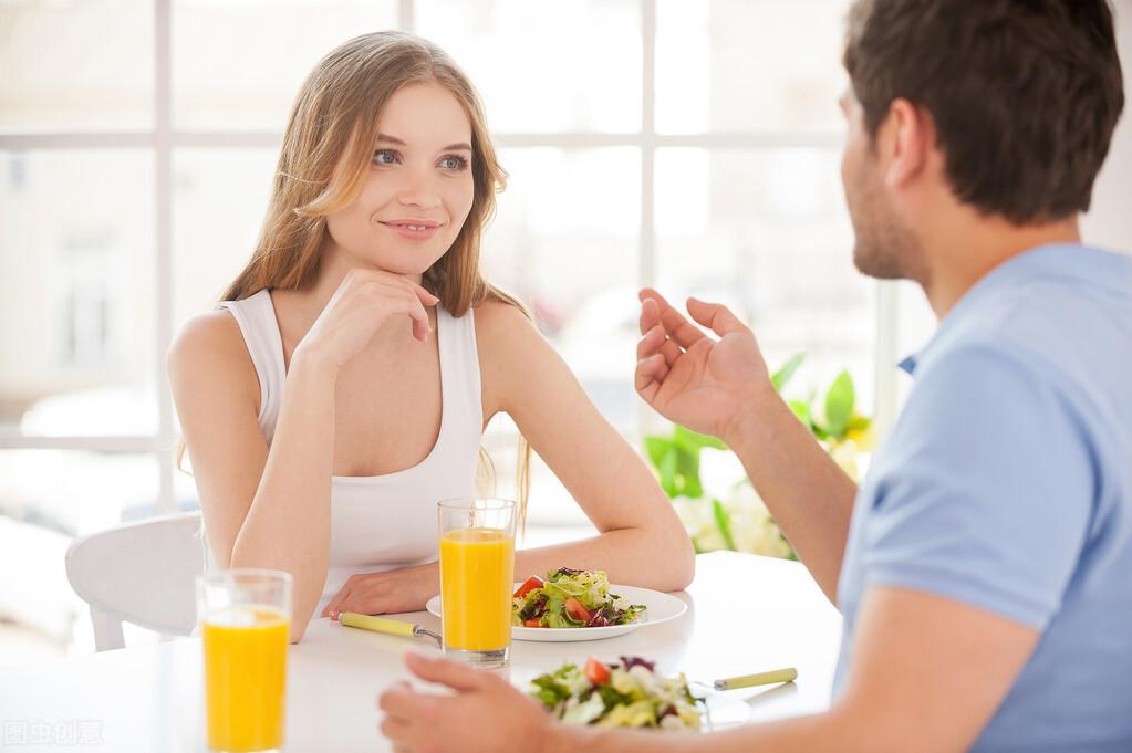 """一天中有3个时间段,吃东西易""""加速""""长肉,减肥的人,尽量避开"""