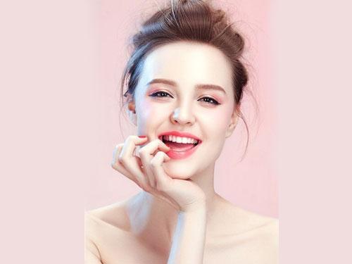 护肤做好4个步骤,皮肤光滑细腻白嫩,可惜很多人护肤方法是错的